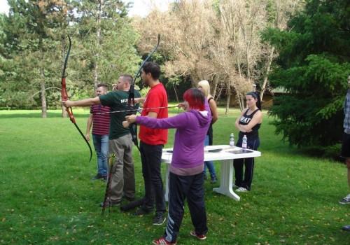 outdoor csapatépítés, íjászta