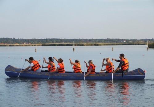 outdoor csapatépítés, kenu, Velencei-tó
